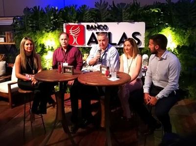 Banco Atlas presentó charla sobre el impacto de la gastronomía en la economía