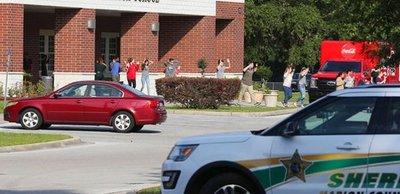 EEUU: Tiroteo en un colegio en Florida deja un alumno herido