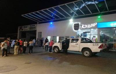 Grupo comando asaltó servicentro de Petropar
