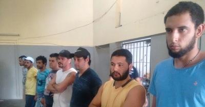Expulsan a brasileños acusados de contrabando