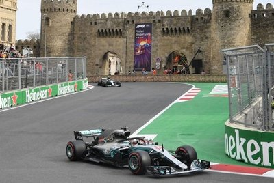 Hamilton gana el GP de Azerbaiyán
