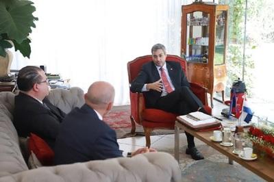 Presidente electo sigue estrechando vínculos con representaciones diplomáticas