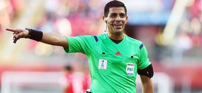 Enrique Cáceres arbitrará en el clásico