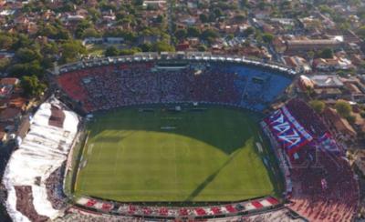 HOY / Buena asistencia pero no se llena el estadio