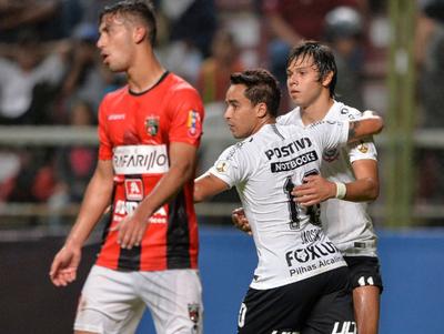 Ángel Romero anotó en la goleada del Corinthians