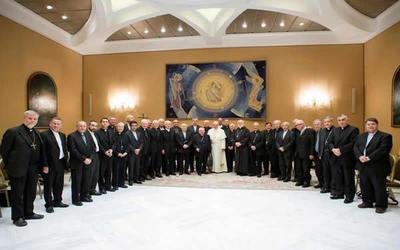 Obispos chilenos renuncian ante el Papa por los casos de abusos sexuales