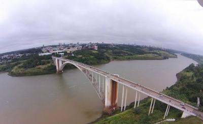 HOY / Paraguay y Brasil buscan más vías de integración con cuatro nuevos puentes