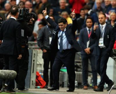 HOY / Tras seis días en el 'poder', Maradona suma su primer título
