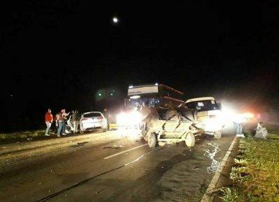 Ecuatoriano fallece tras choque en Itacurubí
