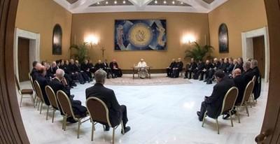 El relevo de los obispos chilenos se prolongará durante seis semanas