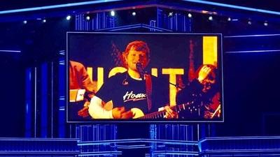 Ed Sheeran arrasó en los premios Billboard