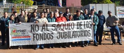 Movilización paraliza atención  de la Ande en Alto Paraná