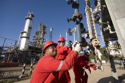 Estiman que el precio del barril de petróleo estará por encima de US$ 80