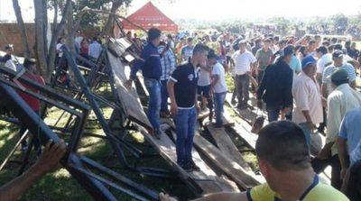 Desplome de gradería en corrida de toros provoca una docena de heridos