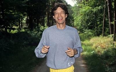 Los secretos de Mick Jagger para mantenerse en forma a los 74 años