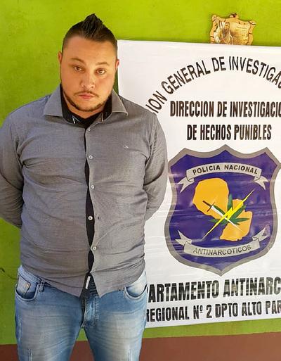 """Policías antinarcóticos """"pelan"""" a supuesto delincuente brasileño detenido, denuncian"""