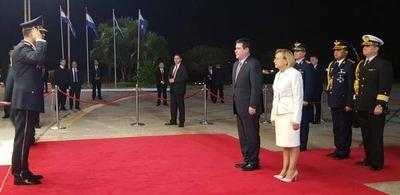 HOY / Cartes retornó al país tras la inauguración de los Juegos Suramericanos en Bolivia