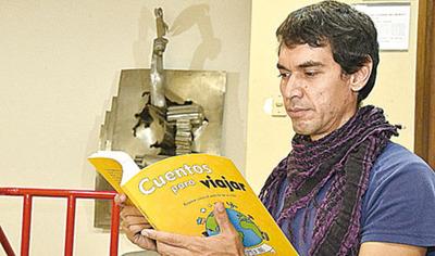 Escritor  de buses  publica  primer libro