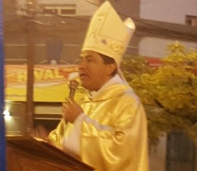Obispo solicitó el arreglo de calles
