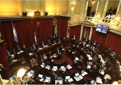 Aprueban ley para frenar tarifazos de Macri