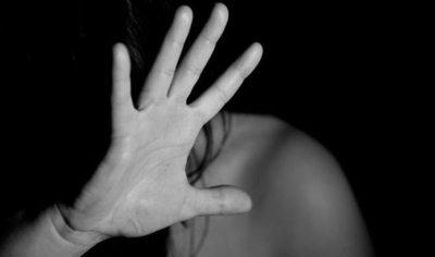 Brutal agresión: Le pegó tanto que la hospitalizaron