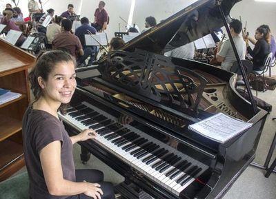 Una pianista de 16 años debutará con la Orquesta Sinfónica del Congreso Nacional