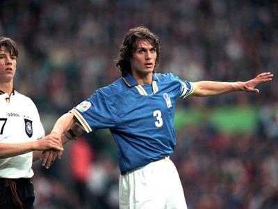 Maldini es el que más minutos tiene en una Copa Mundial FIFA
