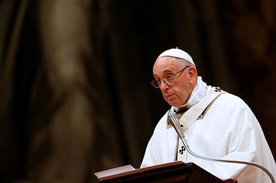 Abusos en iglesia chilena: Papa acepta renuncia de obispos