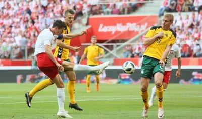 Lewandowski afina su puntería para el Mundial