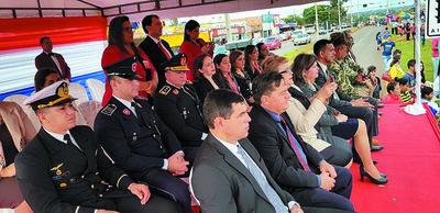 Conmemoran 83 años de la Paz del Chaco con desfile cívico-estudiantil