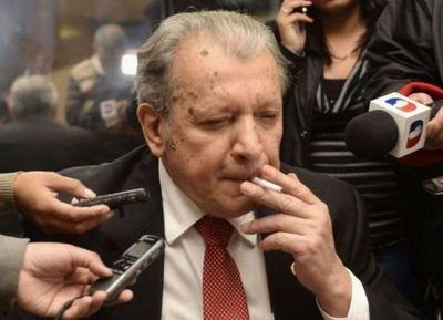 """Galaverna considera que fue """"un error"""" haber pedido sesión el mismo día que Cartes presentó su renuncia"""