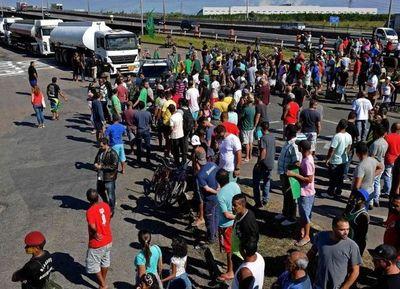 Millonarias pérdidas en Aduanas por el paro de camioneros en Brasil