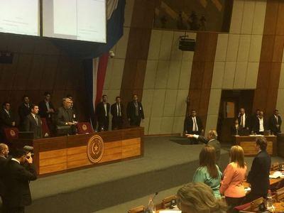 Convocan a senadores para juramento