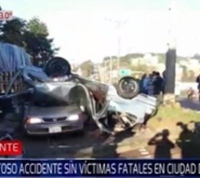 Violento choque deja cuatro heridos en Ciudad del Este