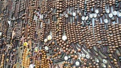Inician montaje del retablo de rosarios para Chiquitunga