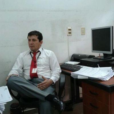 Funcionario agrede a periodista en sede fiscal