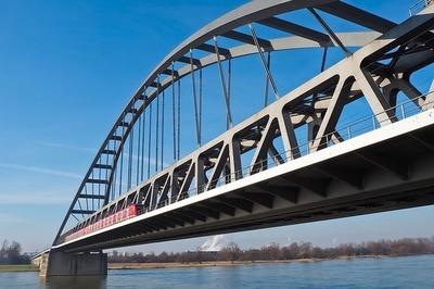 Jiménez Gaona propuso formalmente que tercer puente con Brasil lo financie Itaipú