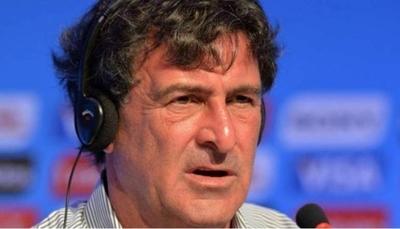 """HOY / Kempes tilda de """"tonterías"""" las comparaciones entre Messi y Maradona"""