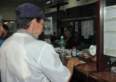 """HOY / Parlamentarios vs. """"Juan Pueblo"""": diferencias entre la jubilación de oro y la del IPS"""