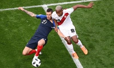 Francia derrota y elimina a Perú