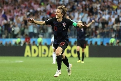 "HOY / Prensa de Croacia: ""La noche grandiosa en la que Modric fue Messi"""