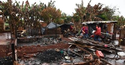 Familias que perdieron sus viviendas en incendios reciben ayuda