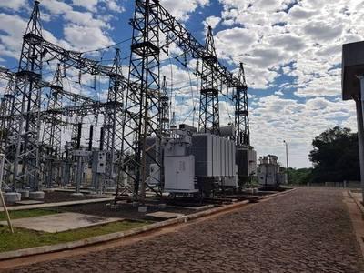 ANDE realizó mantenimiento de equipos en subestaciones