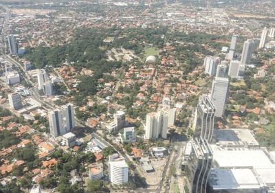 ECONOMÍA PARAGUAYA SIGUE DESTACÁNDOSE POR SU ESTABILIDAD Y SOLIDEZ FISCAL