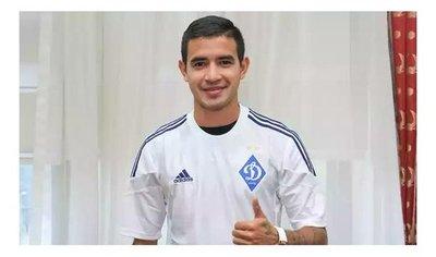Derlis González seguiría su carrera en el fútbol de Brasil