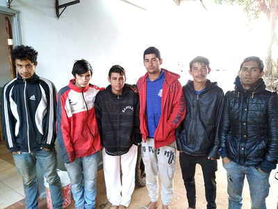 """Seis detenidos por agredir a su """"amigo"""" menor con golpes de puño y machete"""