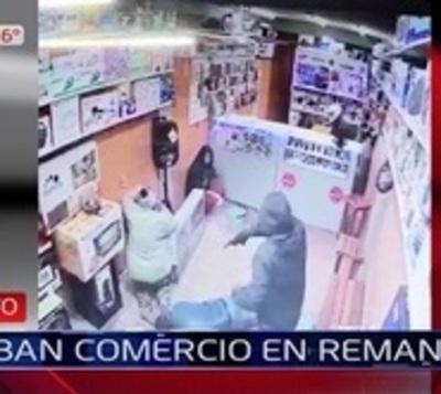 Violento asalto a casa de venta de celulares en Remanso
