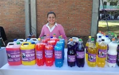 Emprendedoras elaboran sus productos y exponen en Ciudad Mujer