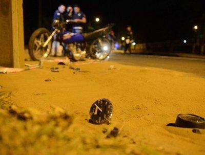 Jóvenes fallecen tras violenta colisión