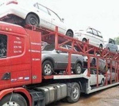 Buscan bajar tope de antigüedad de autos usados para su importación